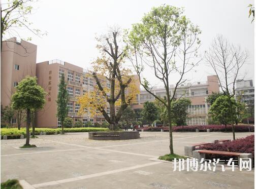 重庆北碚汽车职业教育中心2019年报名条件、招生对象