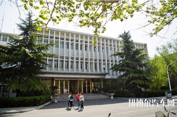 河北师范大学汇华汽车学院招生办联系电话