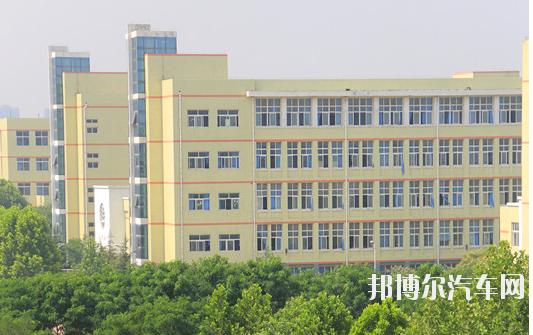 河南工业贸易汽车职业学院龙湖校区招生办联系电话