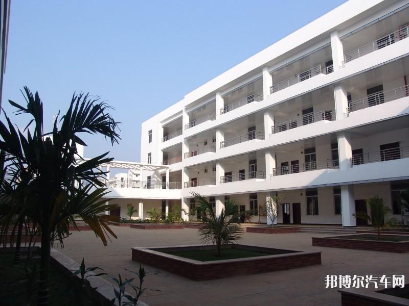 海南经贸职业技术汽车学院是几本